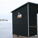 Det flydende badehus Svanen, sort trætjære
